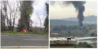 Incendio a Roma: alta colonna di fumo nero al Foro Italico, rogo in uno sfasciacarrozze