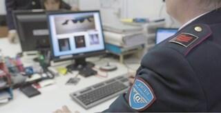 In smart working passava il tempo a scaricare foto pedopornografiche: arrestato