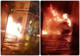 Piazza della Repubblica: un furgone di Ama si trasforma in una palla di fuoco