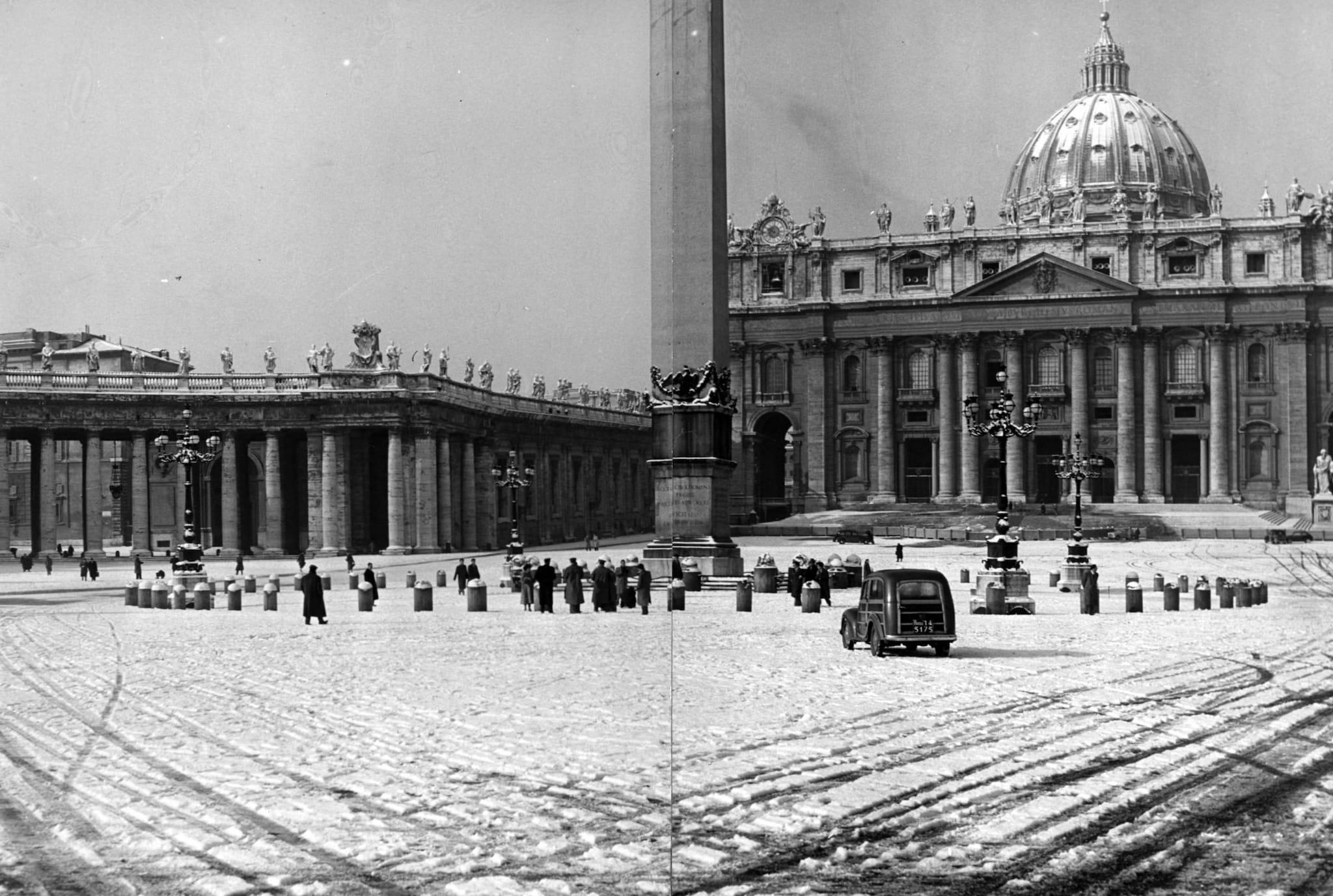 Piazza San Pietro, nevicata del 1956