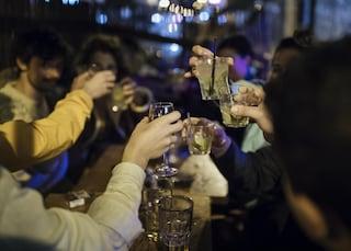 Festa privata a pagamento nella villa in via Appia Antica, multate 41 persone