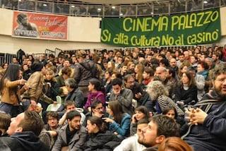 Occupazione Nuovo Cinema Palazzo, tutti assolti i 12 imputati: tra loro l'attrice Sabina Guzzanti