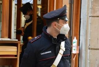 Locali aperti dopo le 18 a Roma, carabinieri chiudono un bar e un ristorante