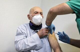 Sami Modiano, sopravvissuto ad Auschwitz, ha ricevuto il vaccino contro il Covid