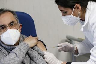 Dimezzato il piano vaccinazioni anti-Covid nel Lazio a causa dei ritardi di Pfizer
