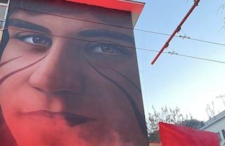 Il murale di Jorit per Valerio Verbano su un palazzo del Tufello: 41 anni fa l'omicidio del 19enne