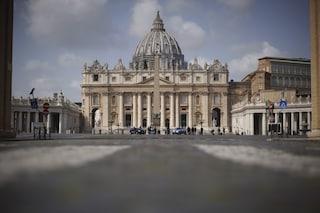 Trovato un tesoro sotto la cupola di San Pietro: cinquanta casse di opere d'arte e sculture