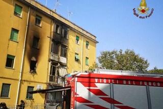 Incendio ad Acilia, fiamme in un appartamento: salvato un disabile