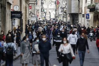 Roma, folla e rischio assembramenti in centro: chiusa via del Corso e via del Babuino