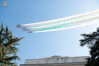 Lo spettacolo delle Frecce Tricolori per il 98esimo anniversario dell'Aeronautica Militare