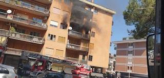 Incendio in un appartamento a Talenti, chiusa via Ugo Ojetti: evacuato il palazzo