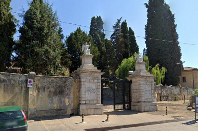 """Sesso e droga nel cimitero di Sezze: """"Ai festini hard politici, medici e forze dell'ordine"""""""