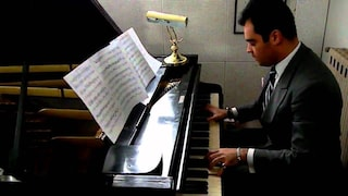"""Il pianista Adriano Urso stroncato da un infarto, il fratello: """"Ucciso da scomparsa della musica"""""""