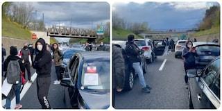 Ristoratori bloccano l'autostrada, chiuso tratto dell'A1 tra Orte e Attigliano