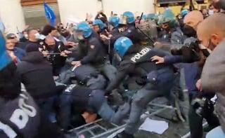 Scontri con polizia a manifestazione dei ristoratori davanti alla Camera: due agenti feriti
