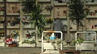 """Caos cimiteri di Roma, Ama si scusa con i cittadini: """"In arrivo piano d'investimenti"""""""