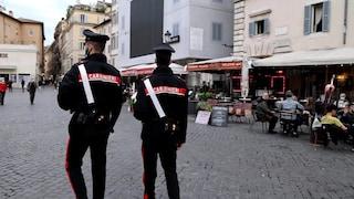 """Riaprono bar e locali a cena a Roma. I ristoratori: """"È solo una mezza riapertura"""""""