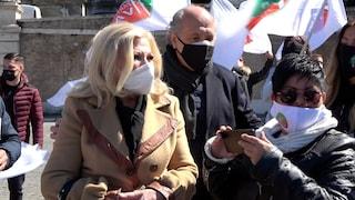 """Manifestazione autonomi, in piazza anche Sandra Milo: """"Draghi apri tutto, dobbiamo vivere"""""""