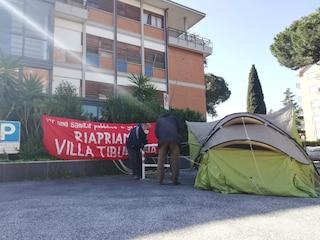 """Rebibbia, occupata Villa Tiburtina: """"Vogliamo certezze sulla riapertura di un polo sanitario"""""""