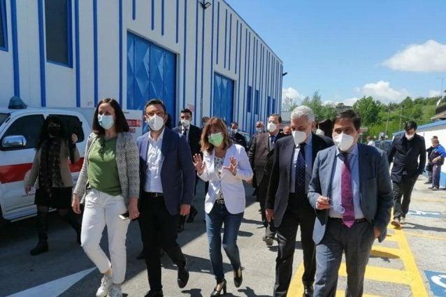Inaugurazione dell'hub vaccinale a Torrice. In foto da sinistra: la consigliera Sara Battisti, l'assessore Alessio D'Amato, la direttrice della Asl Frosinone Pierpaola D'Alessandro e il Presidente del Gruppo PSC Maurizio Stirpe
