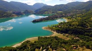 Lago del Turano, due borghi e un paesaggio da fiaba: cosa vedere e come arrivare