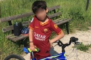 """Rubano bici a un bimbo, la polizia gliela restituisce: """"Un'emozione vederlo sorridere"""""""