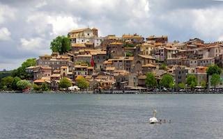 Cosa vedere al Lago di Bracciano e come raggiungere i tre borghi alle porte della Capitale