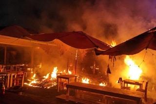 Incendio in un ristorante sulla Nomentana: fiamme e una colonna di fumo