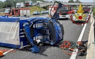 Incidente sul Grande Raccordo Anulare, furgone carico di frutta si ribalta: 4 feriti gravi
