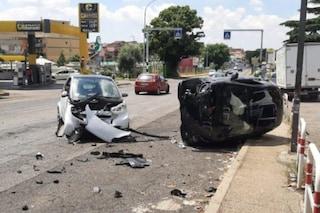 Provoca un incidente stradale con tre feriti su via Casilina e scappa: rintracciata e denunciata