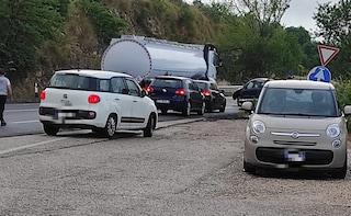 Incidente su via Salaria, auto si schianta sul guardrail: il conducente ha avuto un colpo di sonno