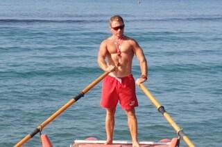 Bagnini in spiagge libere solo nel weekend ad Ostia: giovane salvato dal vicino stabilimento