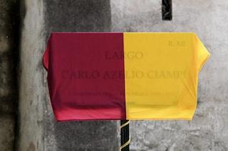 Raggi inaugura largo Ciampi, ma sulla targa il nome dell'ex presidente della Repubblica è sbagliato