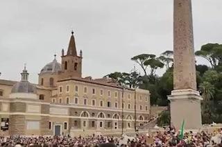 No Green Pass, corteo a Roma con migliaia di persone: l'estrema Destra sfila coi No Vax