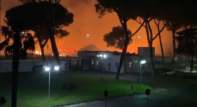 Vasto incendio ad Albuccione: famiglie evacuate, danni alle abitazioni