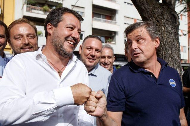 """Incontro Salvini-Calenda a Porta Portese, poi è scontro social: """"Ricco viziato"""", """"Sei un ragazzetto"""""""