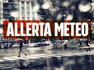 Allerta meteo arancione su Milano e tutta la Lombardia: domenica attesi forti temporali