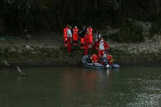 Giallo nel lago di Como: il cadavere di un consulente finanziario trovato a 60 metri di profondità