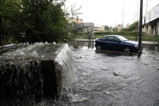 Temporali e grandine in Lombardia: danni e allagamenti da Brescia a Como, molte strade ancora chiuse