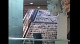Maltempo, a Brescia cascate sulle scale della metro: chiusi caselli sull'A4 a Bergamo e Dalmine