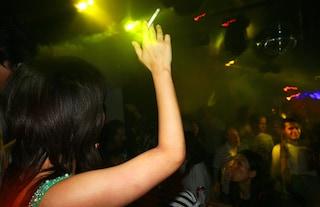 Milano, festa clandestina in casa: sanzionati sei studenti dell'università Bocconi