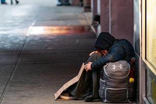Milano, tamponi rapidi gratis a senzatetto e immigrati