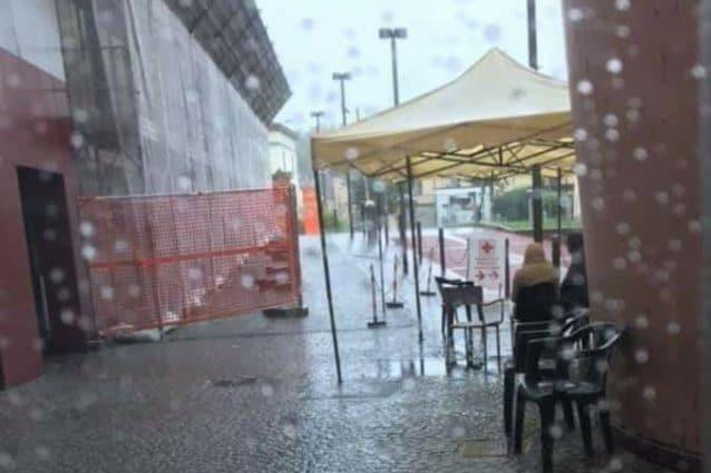 pazienti esposti al caldo e alla pioggia