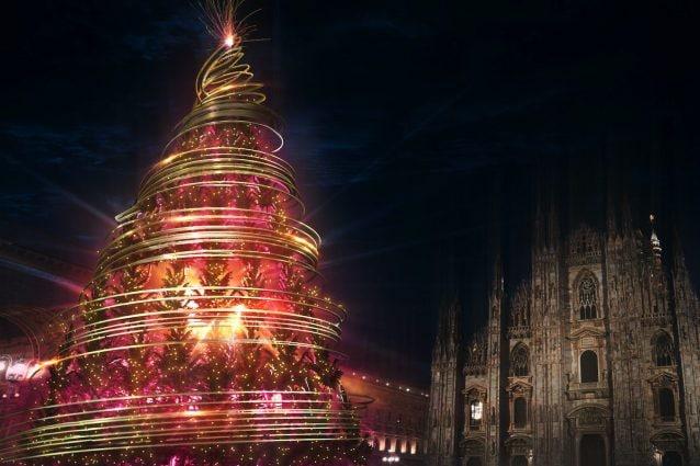 L'Albero del dono in piazza Duomo