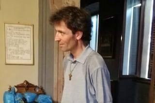 Como, sacerdote ucciso a coltellate: era stato multato per aver portato la colazione ai senzatetto