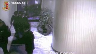 Milano, si fingono poliziotti per mettere a segno rapina da migliaia di euro: cinque arresti