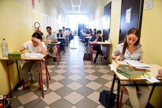 Milano, il liceo Manzoni fa dietrofront: no a media del 9 e residenza in centro per iscriversi