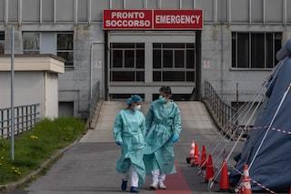"""Milano, l'allarme dell'ospedale San Giuseppe: """"Pazienti intubati in pronto soccorso per ore, reparti pieni"""""""