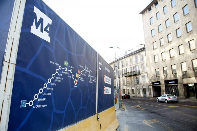 I lavori alla M4 in via Santa Sofia