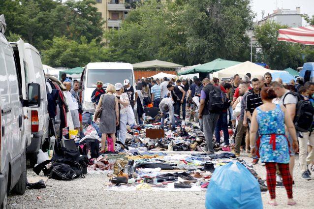 Il mercato di viale Puglie nel 2019 (foto LaPresse)